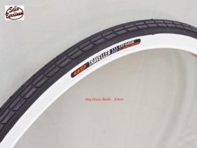 37 - 590 CST Traveler Reifen Schwarz / Weißwand
