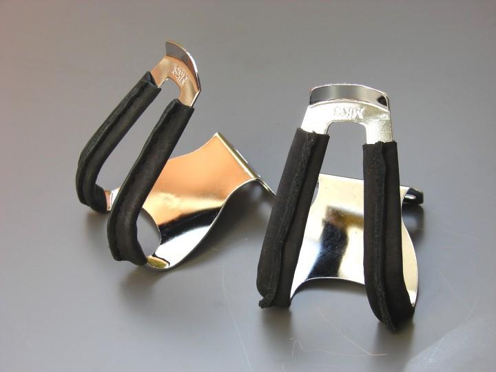 MKS Half Clip Deep Pedalhaken Stahl mit schwarzem Leder